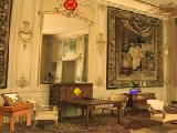 Play European white palace escape